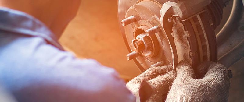 garage-arcades-avignon-entretien-depannage-reparation-mecanique-pare-brise-pneumatique-remorquage-photo-mecanique-800